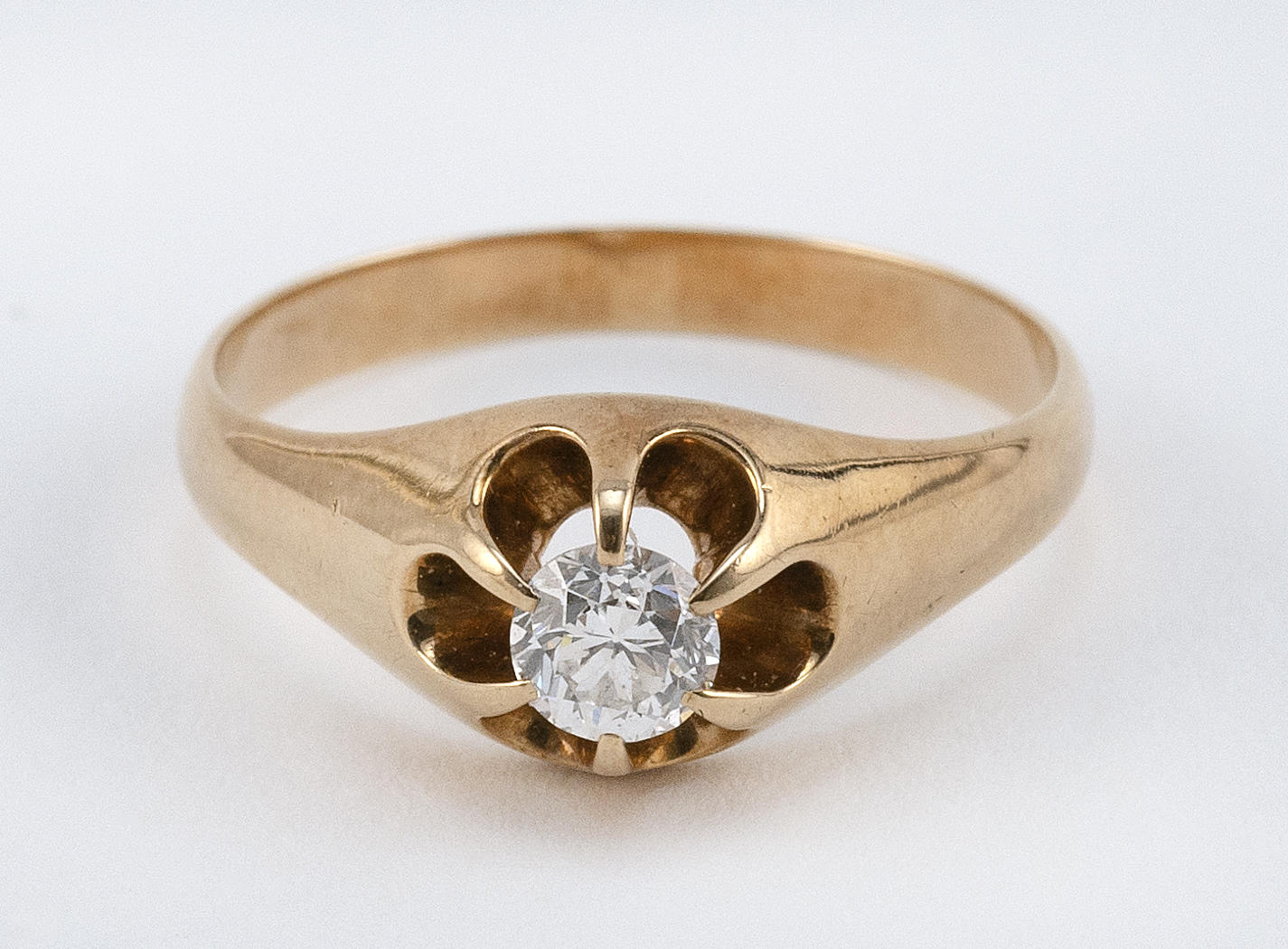 VINTAGE 14KT GOLD AND DIAMOND SOLITAIRE Approx. 2.72 total dwt.