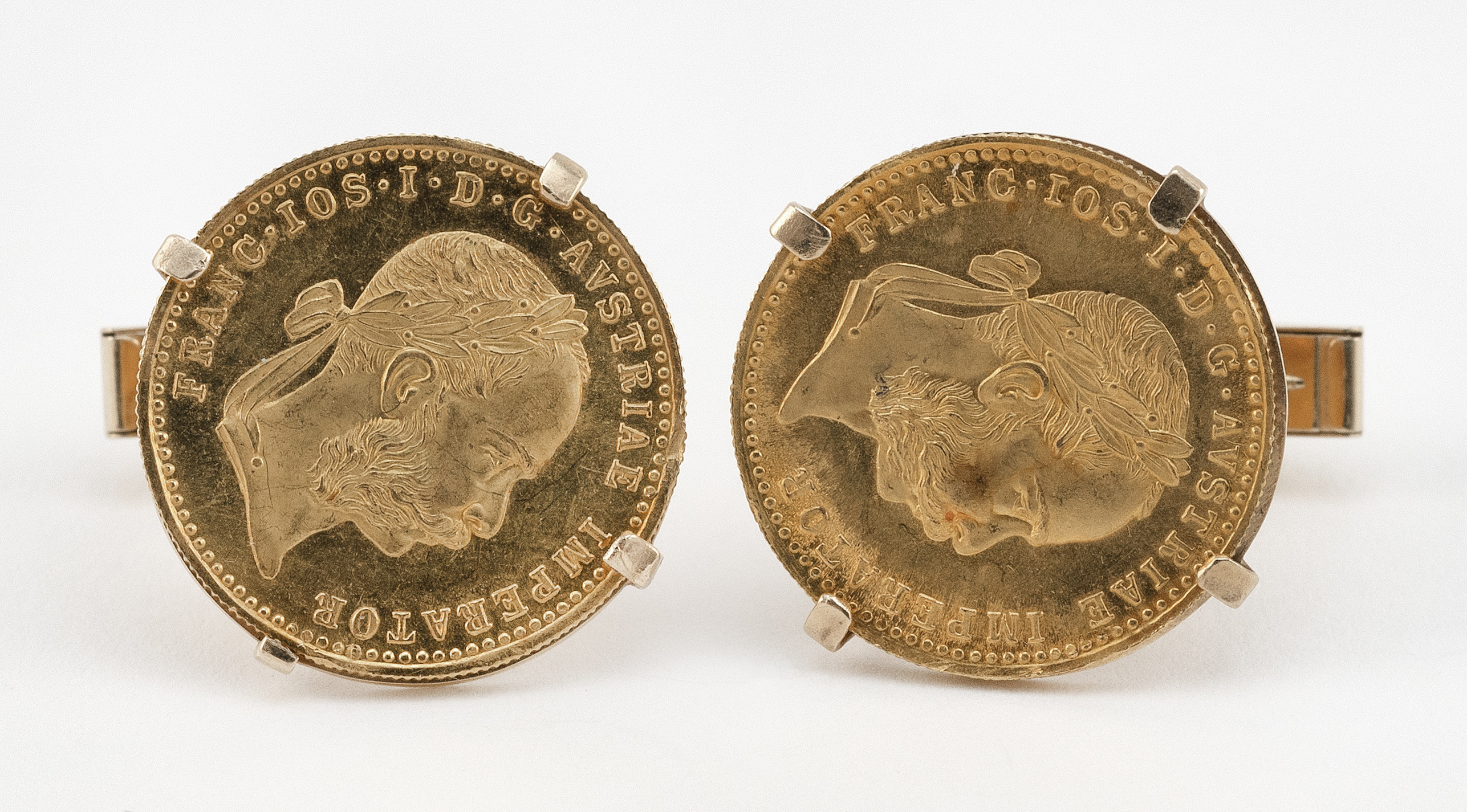 PAIR OF AUSTRIAN DUCAT GOLD COIN AND 14KT GOLD CUFF LINKS Approx. 8.27 total dwt.