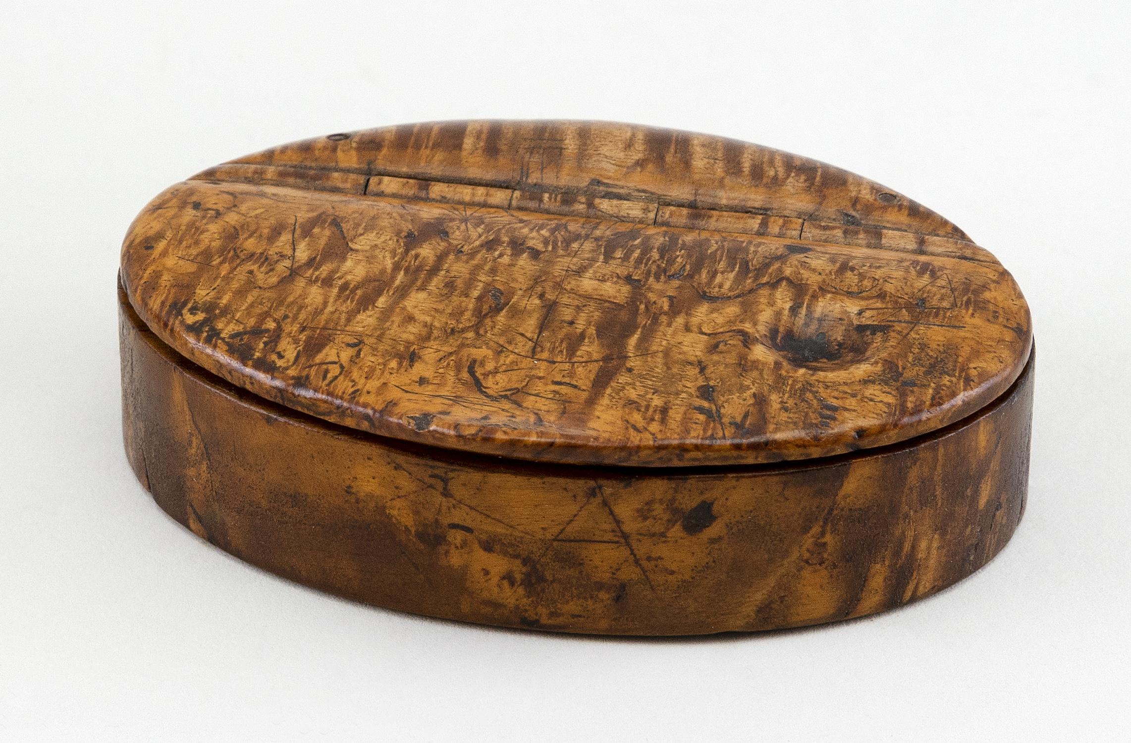 "ENGLISH ELMWOOD SNUFF BOX 19th Century Length 3.25""."